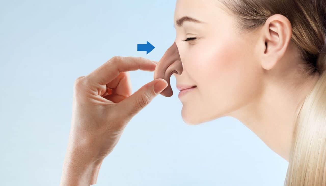 4. Applicare un naso finto - Applicare la protesi